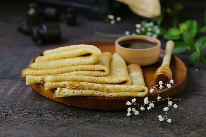 Panqueques con miel y canela